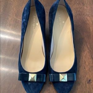 Kate spade navy suede wedges w/bow detail